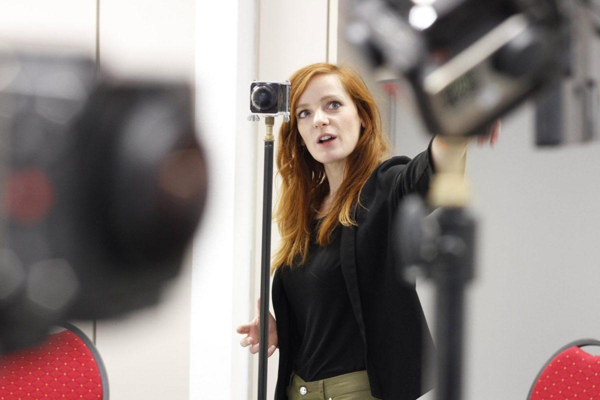 IntoVR-Expertin Christiane Wittenbecher in einem Workshop für Journalisten des Hessischen Rundfunks