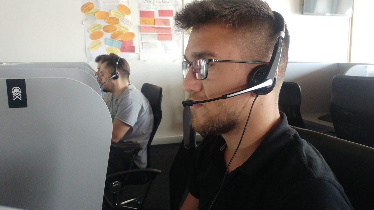 Die meisten Beschäftigten im Callcenter sind jung, viele noch Studenten.