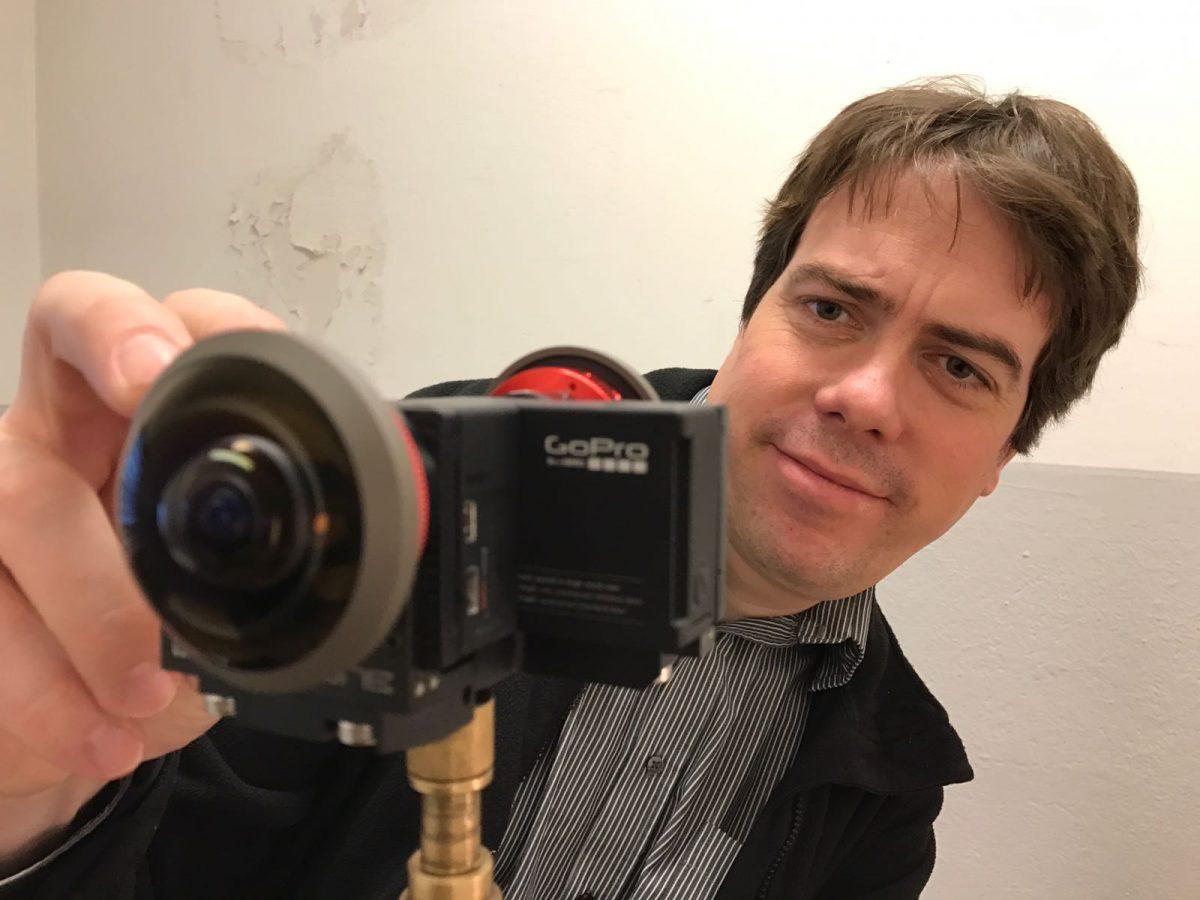 """""""Diese Geschichte eignet sich ganz besonders für immersiven Videojournalismus, weil wir Menschen hier nicht nur an einen anderen Ort 'teleportieren' können, sondern auch in eine andere Zeit"""" – Martin Heller, der für die Kameraarbeit bei dem 360°-Projekt verantwortlich war."""