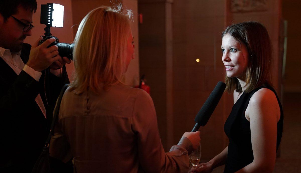 Diesmal nur vor der Kamera: IntoVR-Gründerin Susanne Dickel im Interview.