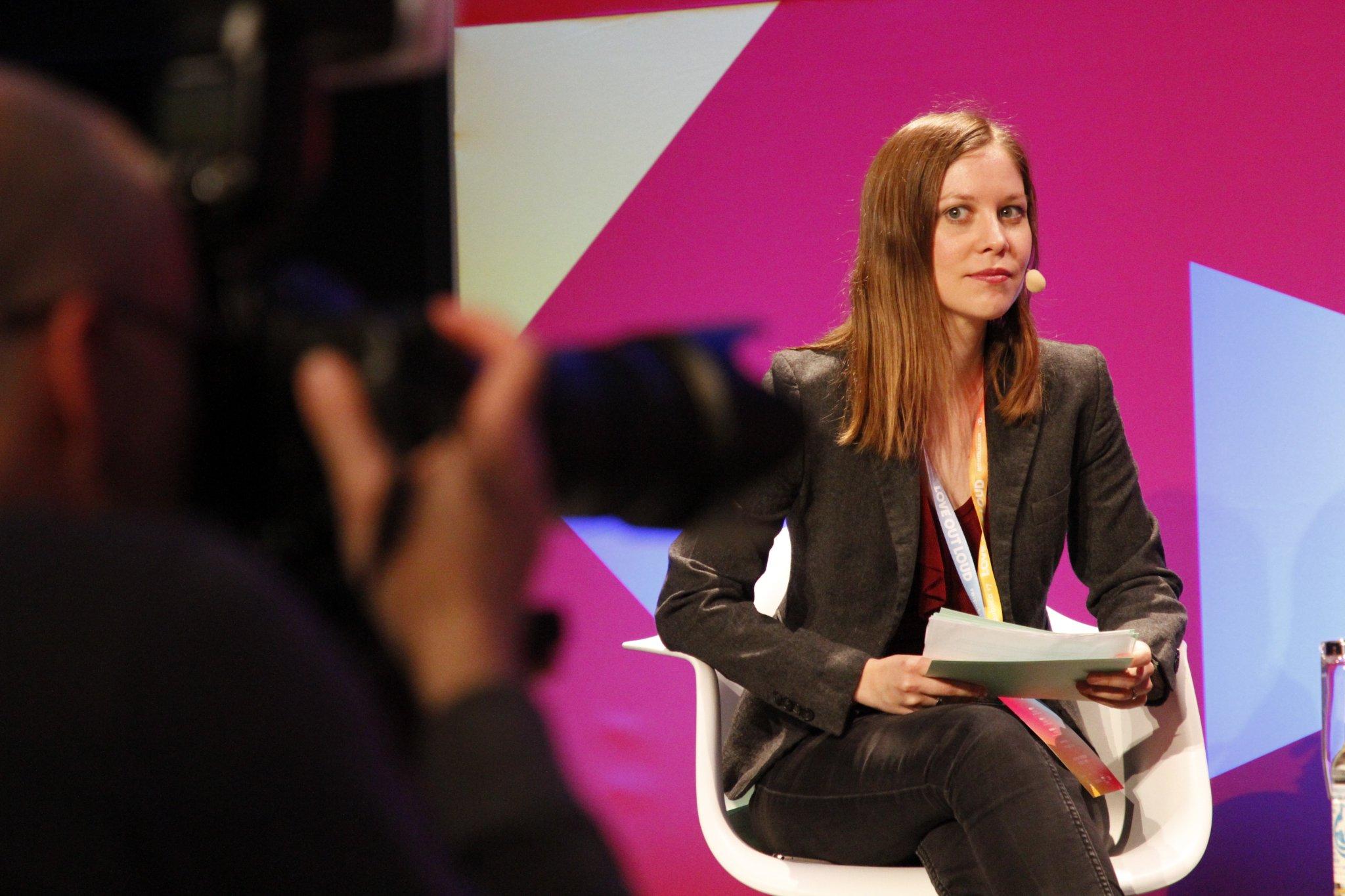 Wie lässt sich mit VR Geld verdienen? Diesen Talk moderierte Susanne auf der re:publica 2017.
