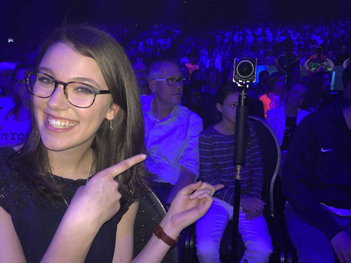 """Vorjahressiegerin Leontina mit 360°-Kamera beim Finale von """"Dein Song 2017"""""""