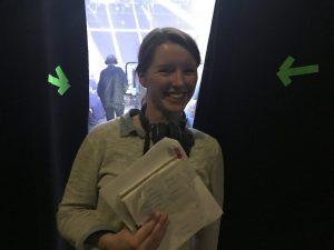 Dreh nach Storyboard: IntoVR-Journalistin Maria Menzel bei der Show in Köln