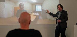 Wie lenke ich Aufmerksamkeit in VR? Martin Heller als Speaker bei einer Konferenz über Storytelling in 360°-Videos.