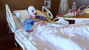 Protagonistin Pippa nach der Transgender-Operation in Bangkok