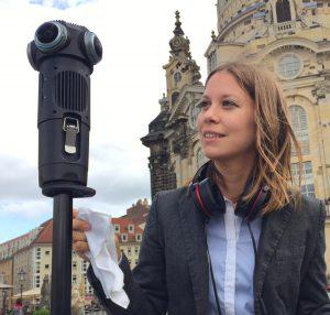 Susanne Dickel mit der neuen Z Cam S1 Pro in Dresden