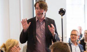 360°-Video: Dozent Martin Heller während eines Workshops