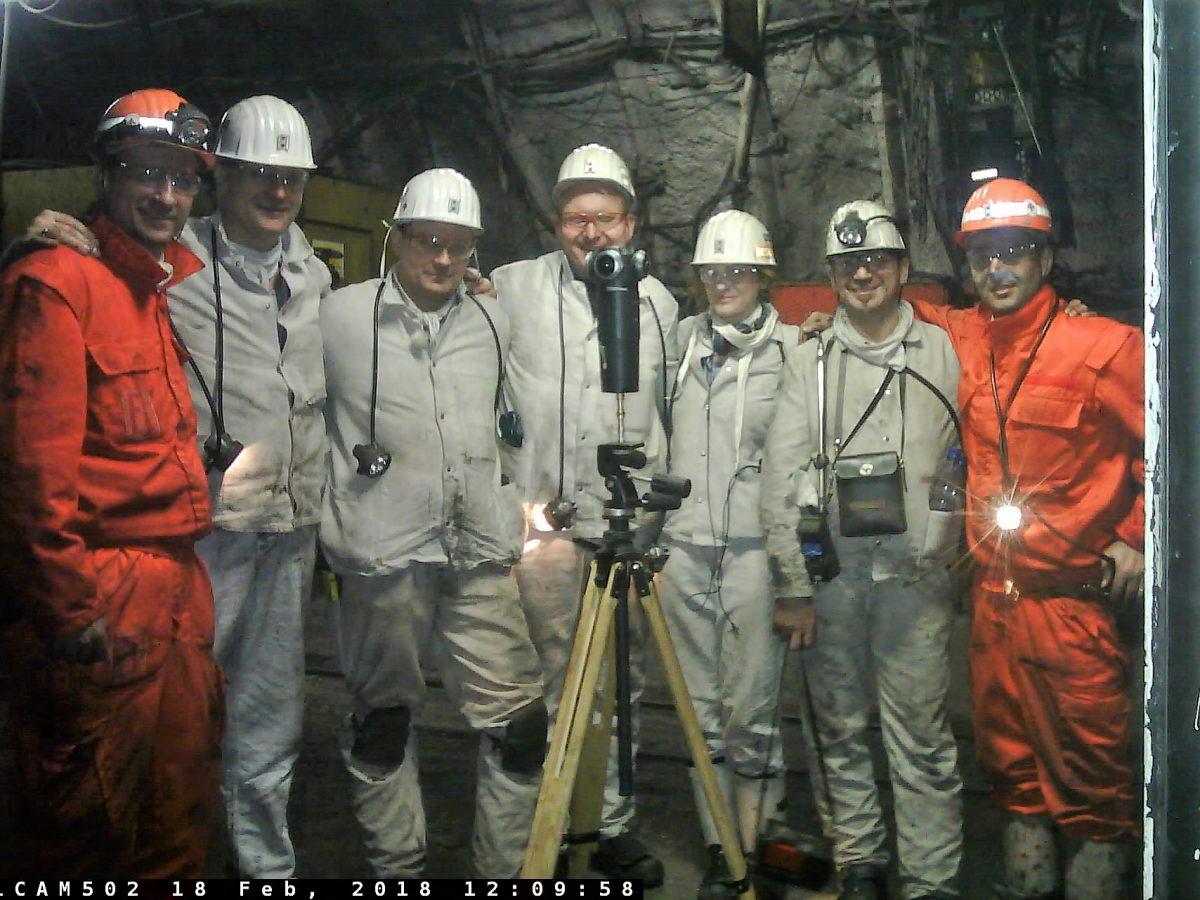Die Crew des Bergwerks Prosper-Haniel und IntoVR-Autorin Christiane Wittenbecher