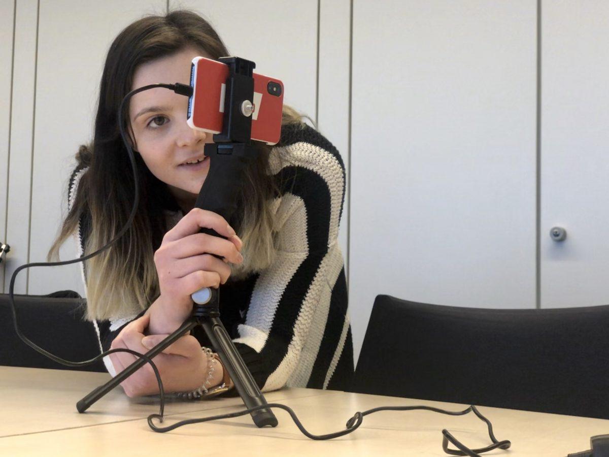 Mobile Reporting: Drehen, Schneiden, Senden - alles mit einem Gerät. (Foto: Into VR & Video GmbH)