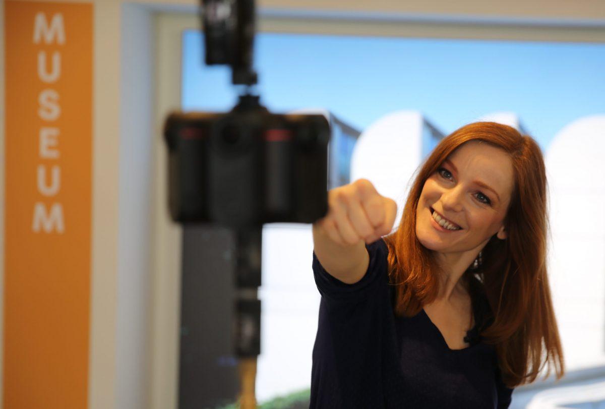 Machen wir das beste aus der Situation. Mit Wissen, Freude am Lernen und außergewöhnlichen Erlebnissen - digital im Museum. Foto: Into VR Video GmbH)