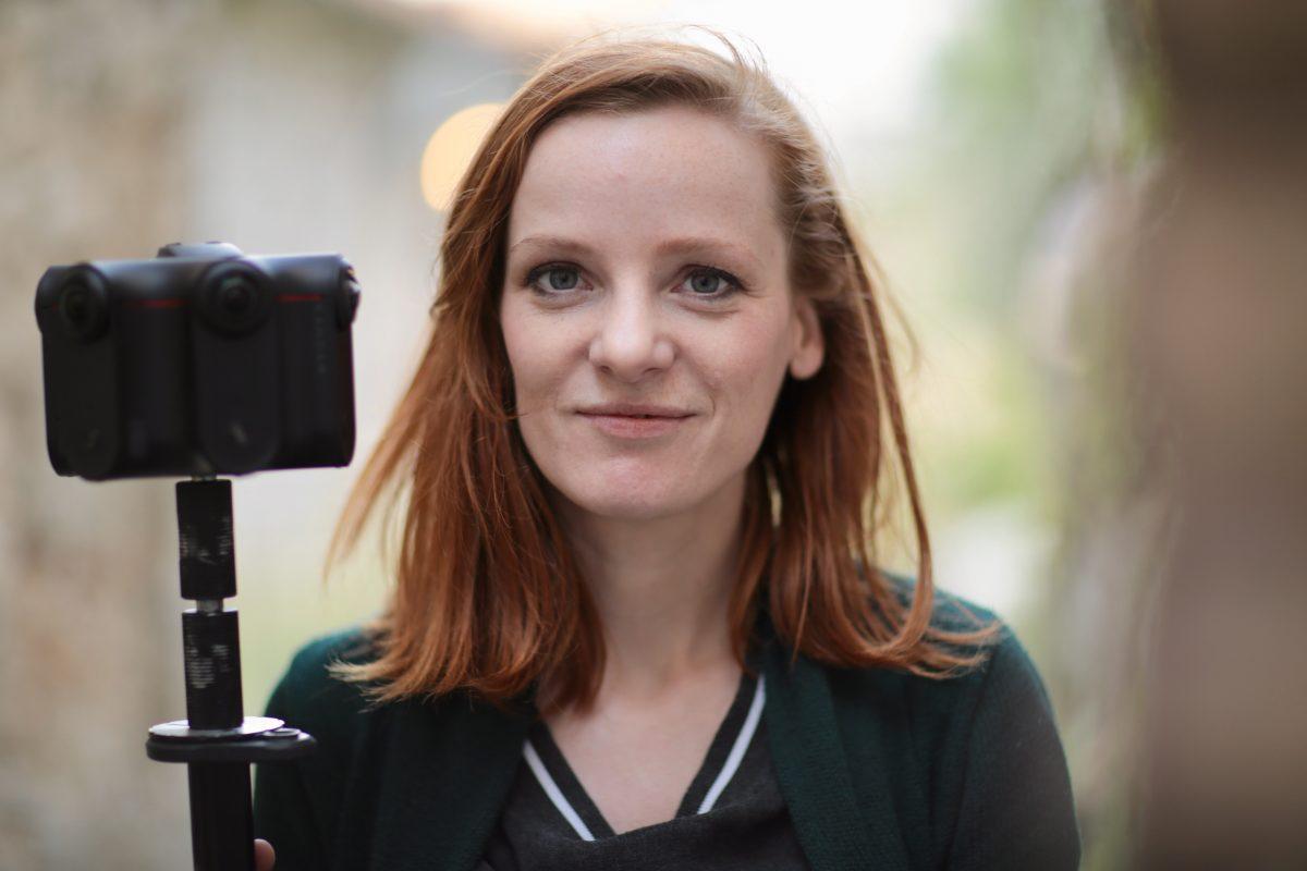 Christiane Wittenbecher - als Moderatorin auch vor der Kamera. 2019 auf einer Drehreise durch mehrere Balkan-Staaten.