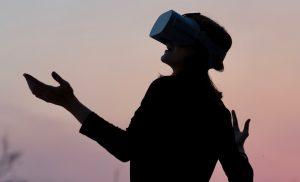 Reisen in VR: Studien zufolge macht ein Erleben einer Destination auf der Virtual-Reality-Brille auch Lust, im echten Leben dorthin zu reisen. Foto: Into VR Video GmbH)