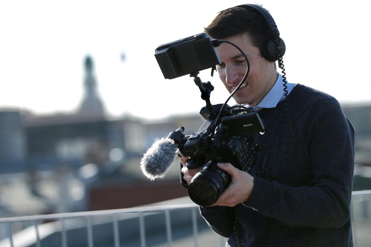 Clemens Hirmke von Into VR & Video mit der Kamera Sony FS5