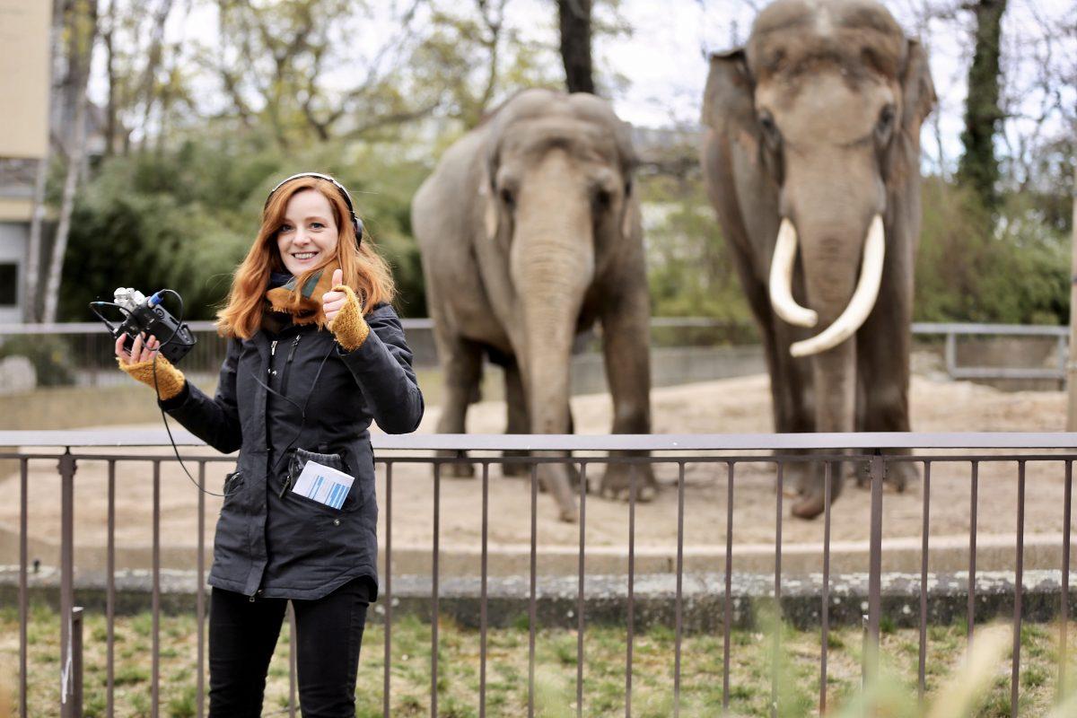 Wir lieben Tiere. Christiane Wittenbecher im Berliner Zoo.