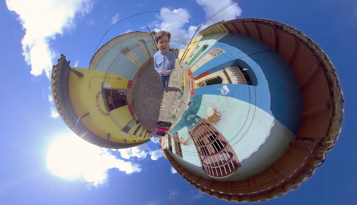 Kleiner Spaß bei der Bildbearbeitung: Martin Heller im Little-Planet-Modus